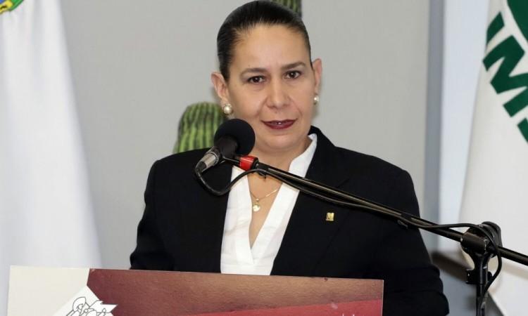 Enfrentaré el máximo grado de crisis: nueva delegada del IMSS
