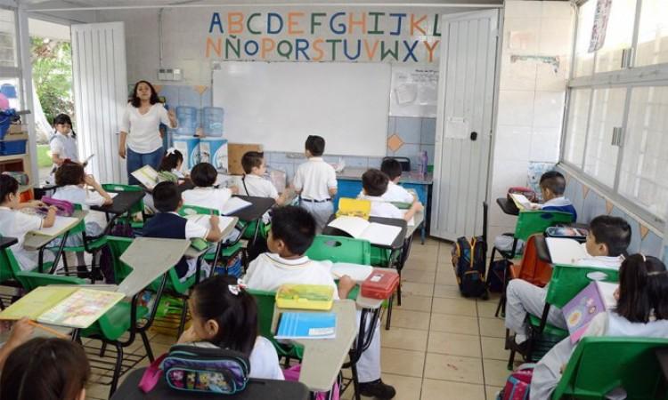 Medidas contra COVID-19 en escuelas dependerá de las fases del virus