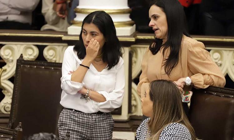 Mujeres, en segundo plano en el Congreso de Puebla