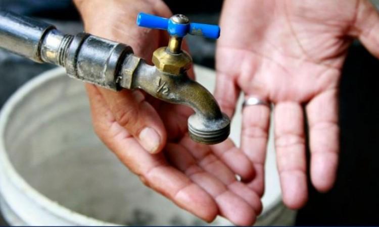 Ilegal, cortar el servicio de agua a viviendas