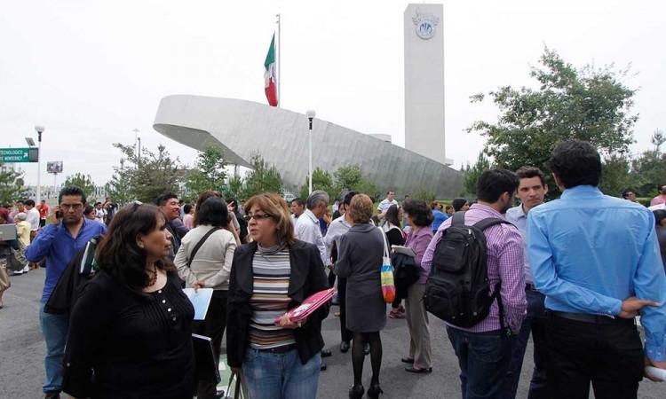 Comienzan universidades a suspender clases por COVID-19