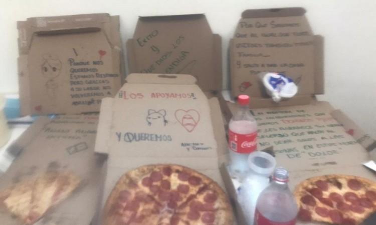 Pizzería manda mensaje de aliento a médicos