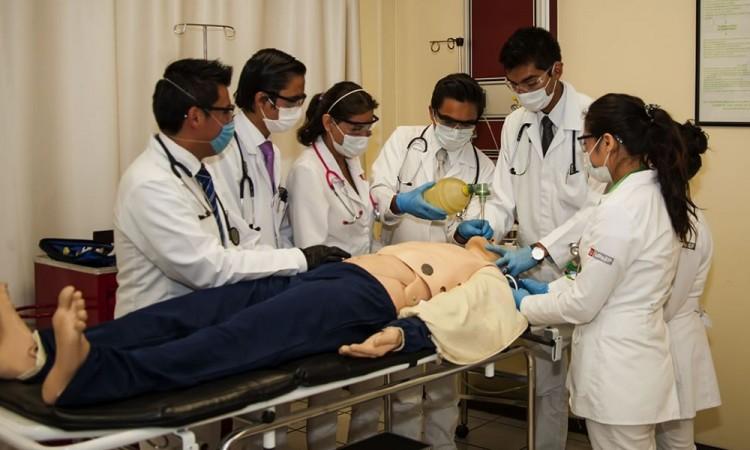 UPAEP también retira a practicantes de hospitales por coronavirus