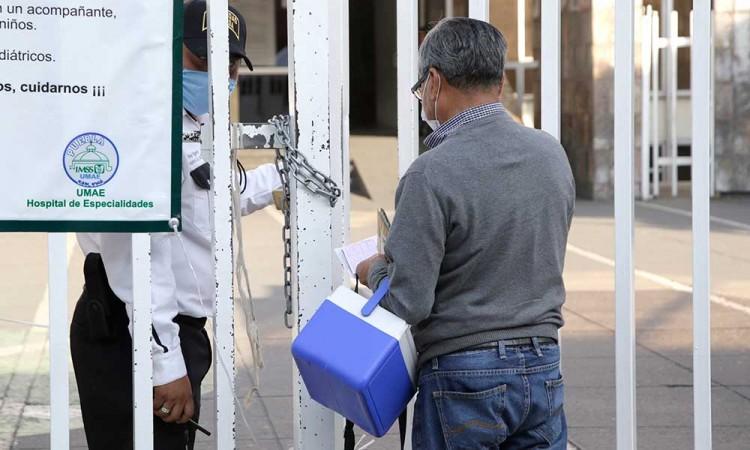 En Puebla, 48 profesionales médicos están contagiados de COVID-19