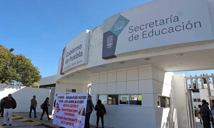 Por COVID-19, muere trabajador de SEP en Puebla