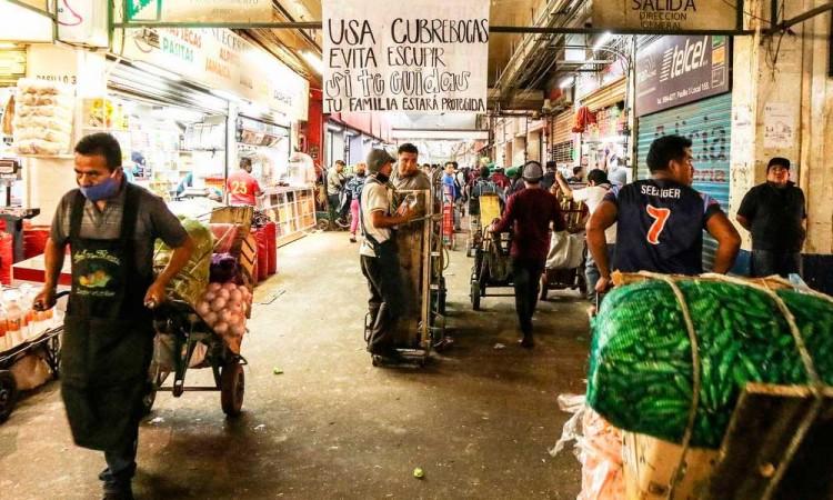 Regularán mercados de Puebla para evitar aglomeraciones