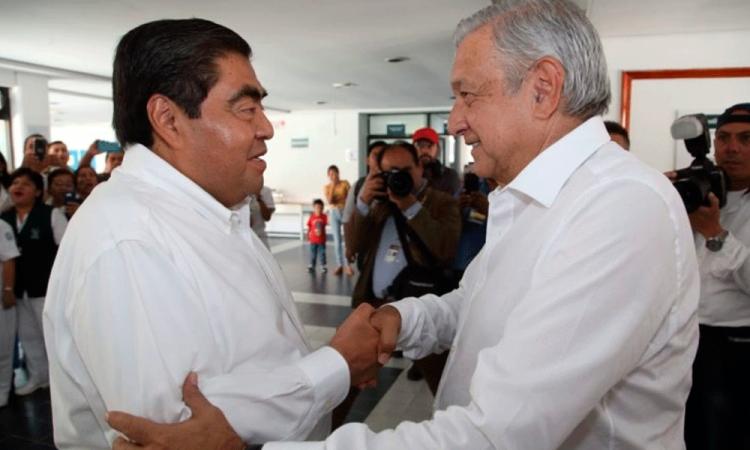 Asegura AMLO apoyo para atender casos de Covid-19 en Puebla
