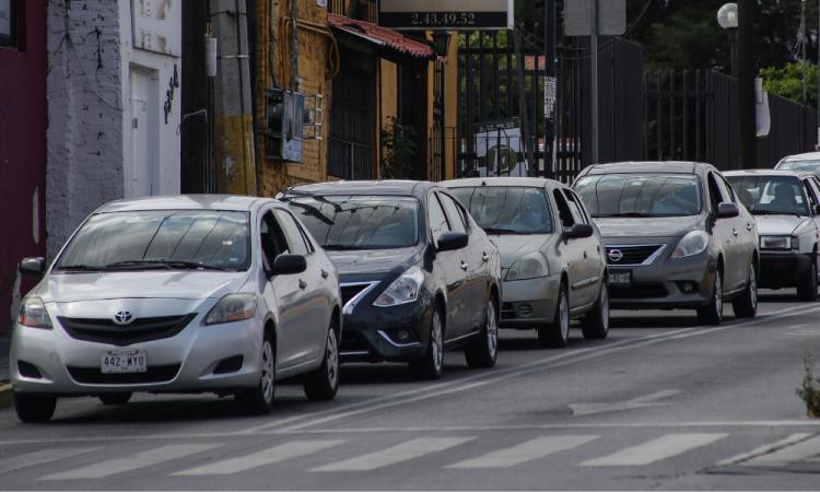 Hoy No Circula: Sólo podrán viajar 3 personas en autos particulares