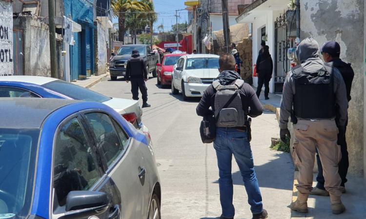 Catea Fiscalía domicilios en Canoa por venta de alcohol adulterado