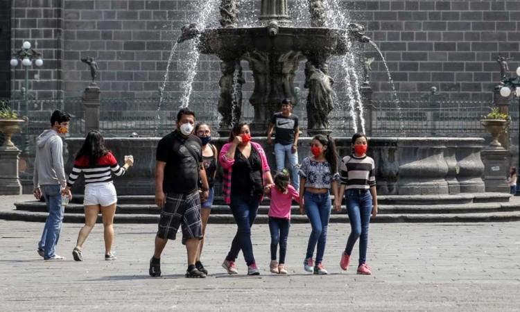 Desbordada la conducta social en Puebla, reprocha Barbosa