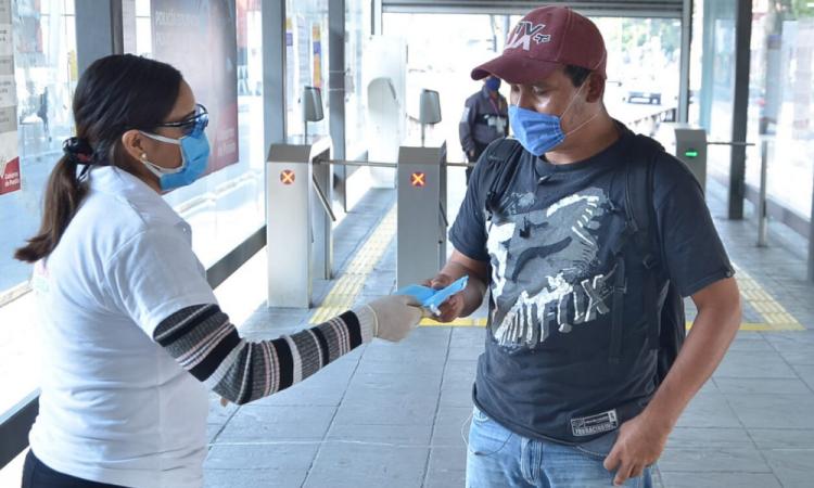 Entregan kits de higiene en estaciones de RUTA