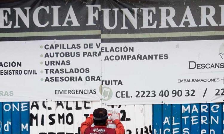 Covid-19: Clausuran funerarias patito en Puebla capital