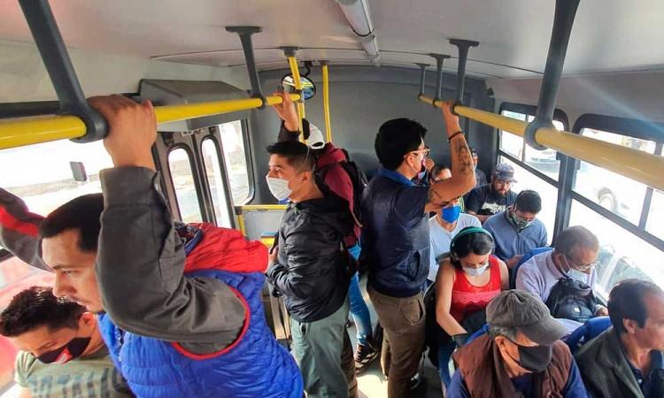 Infraccionan 28 rutas de Puebla por sobrecupo