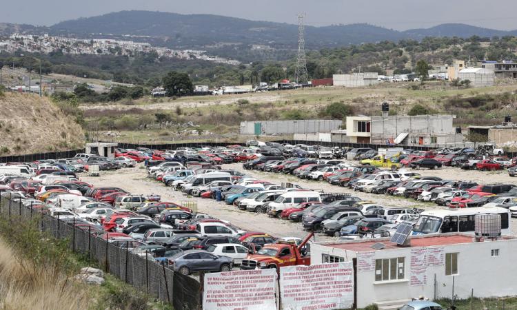 Hoy No Circula: Van a corralón 229 autos en dos semanas