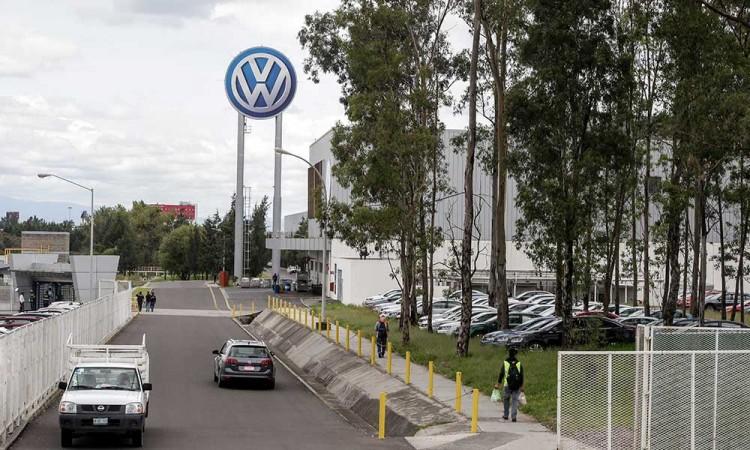 Volkswagen alista regreso a fábricas para 15 de junio