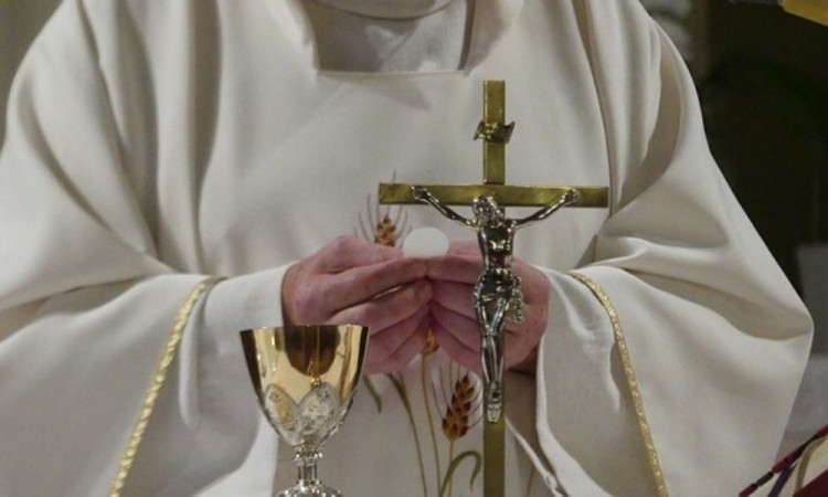 Suman seis decesos de clérigos en Puebla por Covid-19