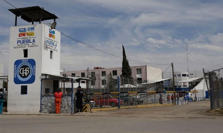 Barbosa ve viable construir cárceles locales