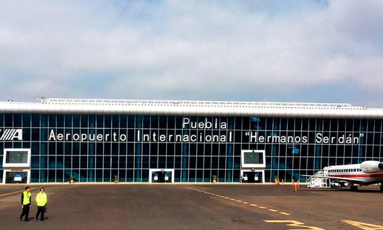 Aeropuerto de Puebla refuerza medidas sanitarias al reactivar sus operaciones aéreas