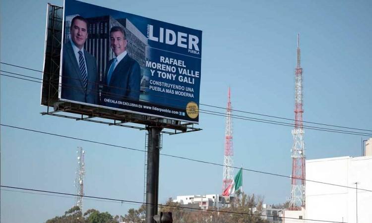Barbosa busca prohibir propaganda electoral en espectaculares