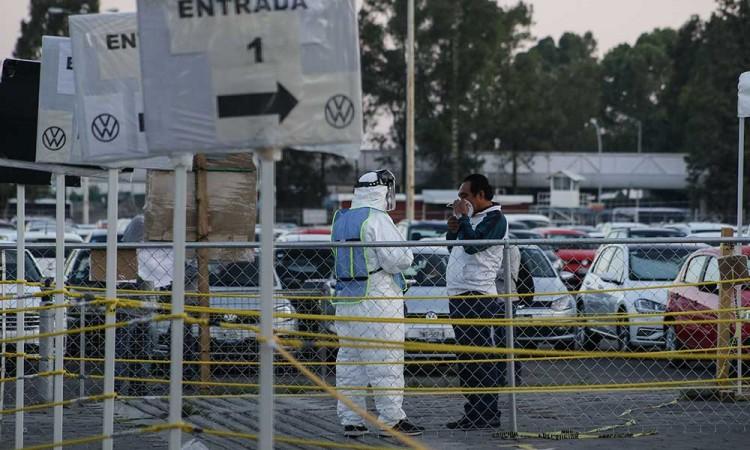 Muere trabajador VW; empresa dice que dio negativo por Covid-19