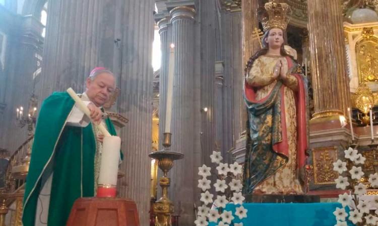 Arzobispo reza por migrantes poblanos fallecidos por Covid-19