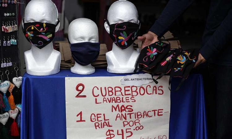 Dan $3,000 para artesanos de Puebla por pandemia del Covid-19