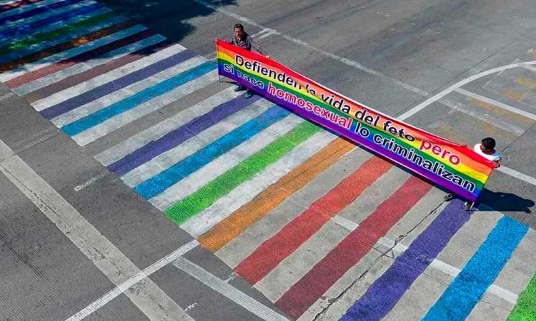 Ayuntamiento borrará paso multicolor en bulevar 5 de Mayo