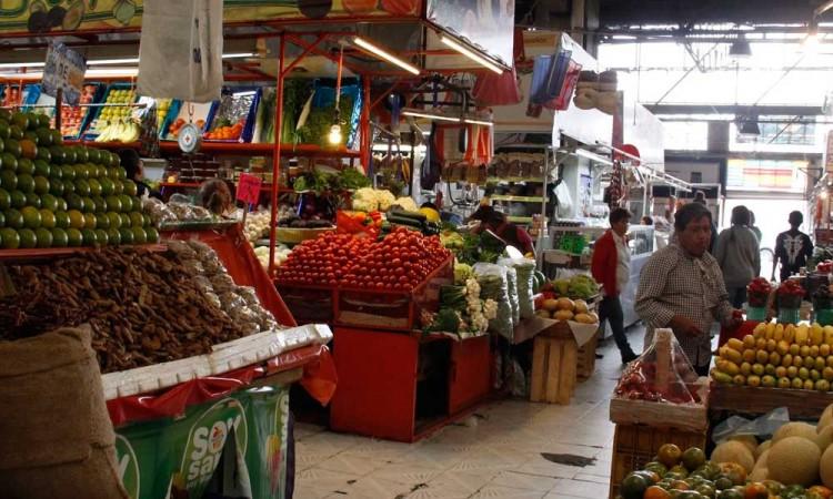 Líderes de mercados solo quieren vender alcohol, dice Gobernación