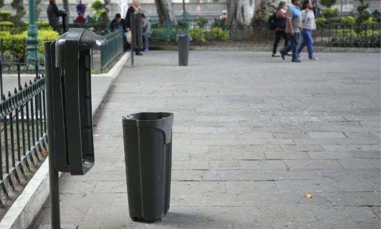 Botes papeleros que han sido vandalizados, cuestan 2 mil 700 en la capital