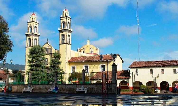 Afecta Covid-19 ferias y festivales de Puebla