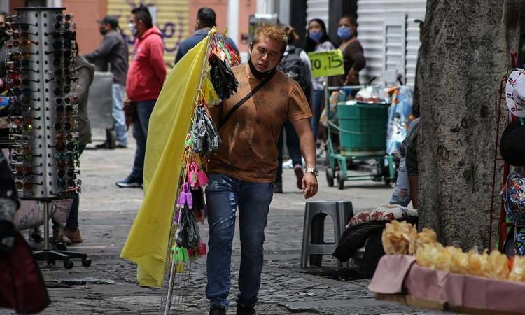 Ambulantes de Puebla no serán retirados de las calles en la Nueva Normalidad