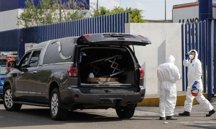 Gradualmente bajan defunciones, pero siguen al alza casos de Covid-19 en Puebla