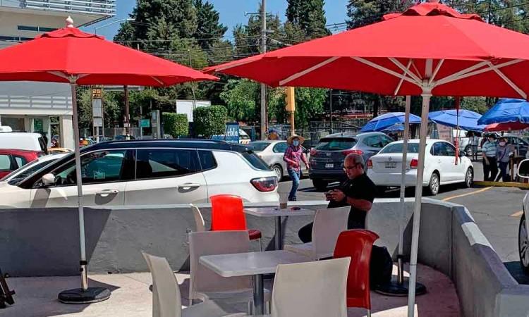 Alistan plan para que restaurantes usen las calles para brindar servicios
