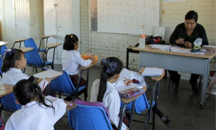 Proyecta SNTE en Puebla deserción escolar por falta de TV ante regreso a clases