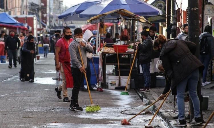 Antes de aplicar proyectos en calles del centro, la autoridad debe erradicar la presencia de ambulantes: Comerciantes
