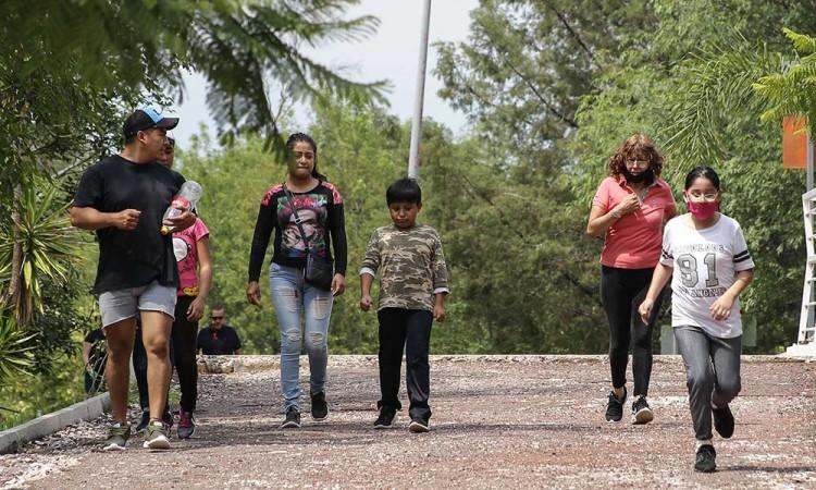 Covid ya infectó casi 500 niños poblanos pero familias siguen saliendo
