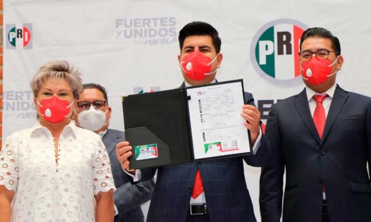 De Nueva Alianza, sin partido y ahora el PRI, Jonathan Collantes oficializa registro en el tricolor