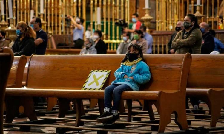 Realiza Catedral primera misa dominical abierta al público