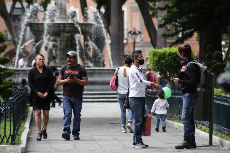 Primer fin de semana de reactivación en Puebla deja 885 casos nuevos de Covid-19