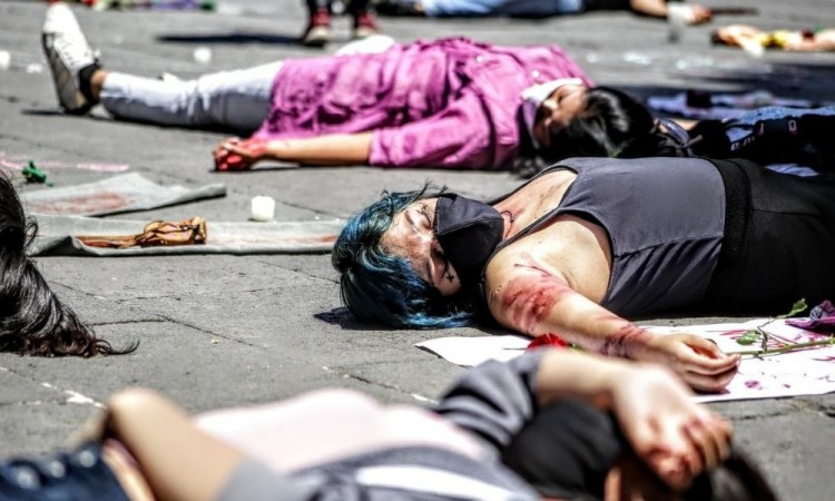Aumento de feminicidios es por una desigualdad estructural, responde Barbosa