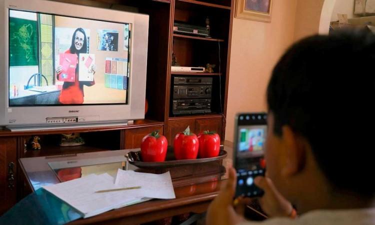 Más de 1 millón de alumnos en Puebla retomarán clases en línea y TV