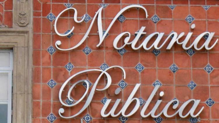 Exonera Barbosa a notarios de RMV que entregaron patentes voluntariamente