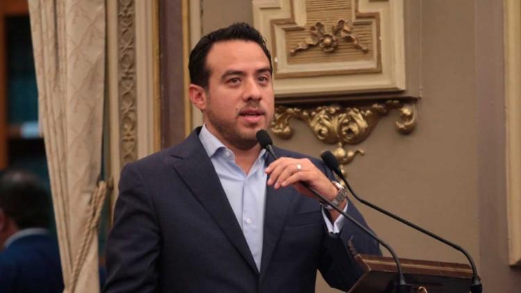 """Congreso aprobó la """"partida secreta"""" de Manzanilla, dice coordinador del PAN"""