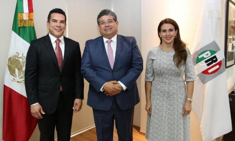 Javier Casique lamentó la poca voluntad política para aprobar su exhorto.