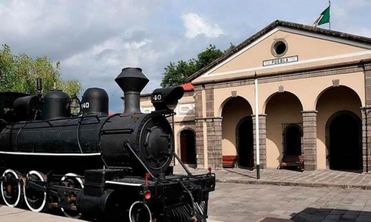 Locomotoras marcaron la vida de los poblanos hace 151 años