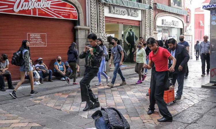 No te confíes: Continuarán restricciones por Coivd-19 en Puebla capital