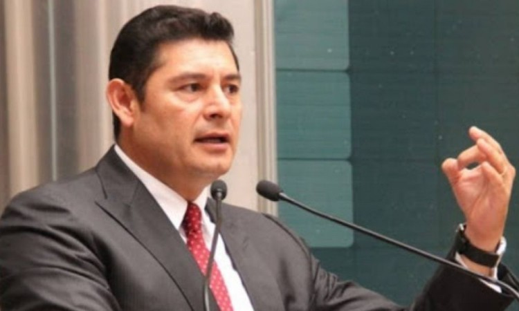 Da positivo a Covid-19 el senador Alejandro Armenta