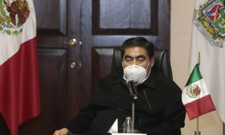 """Diputados locales y federales orquestaron """"montaje"""" sobre patrullas, acusa Barbosa"""