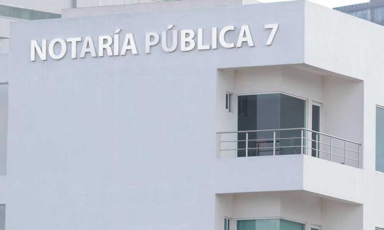 Gobierno de Barbosa logra devolución de 17 notarías entregadas ilegalmente con Moreno Valle