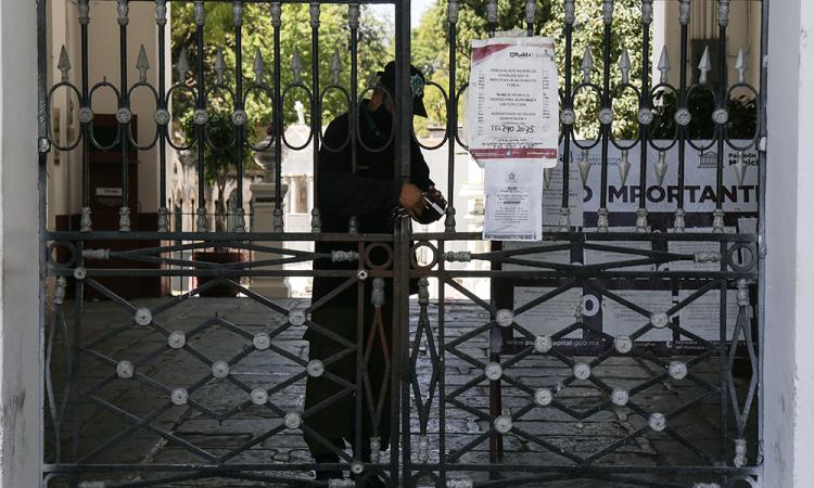 Piden vendedores de flores abrir el Panteón Municipal el Día de Muertos